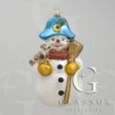 Sněhulák s koštětem