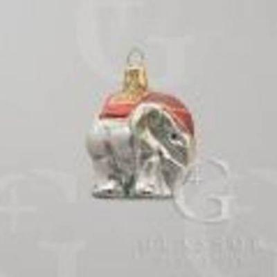 Slon se zlatým sedlem