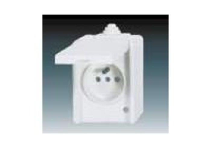 Praktik Zásuvka jednonásobná IP 44, s ochranným kolíkem, s víčkem, s ochranou před přepětím, bílá (5598-2929B)