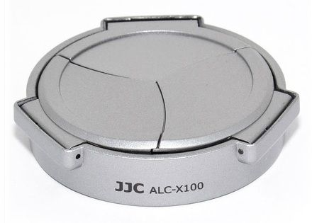 JJC automatická krytka objektivu ALC-X100 pro Fujifilm X100, X100S, X100T, X100F, X70 stříbrná ALC-X100S